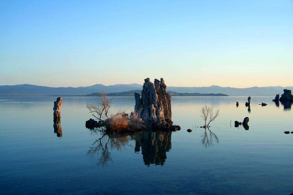 Mono_Lake_Serenity