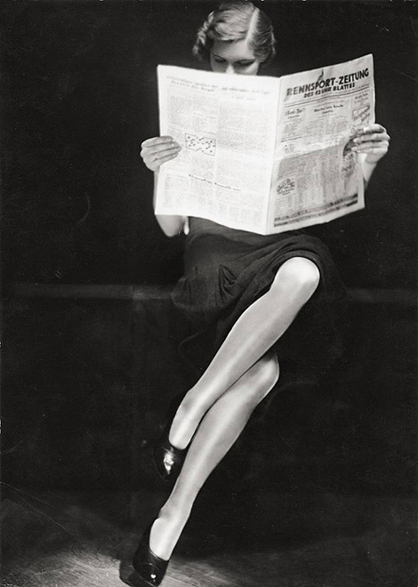 woman-reading-newspaper-1932