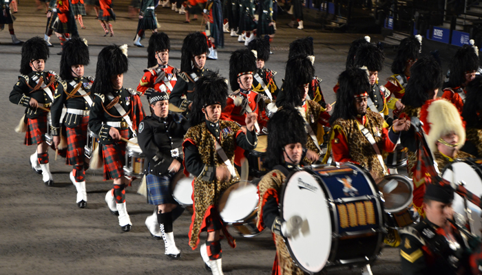 12 drummers drumming per mare for Scottish military tattoo