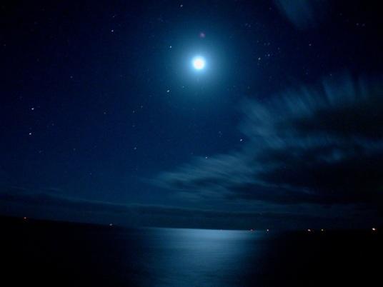 moon-sea