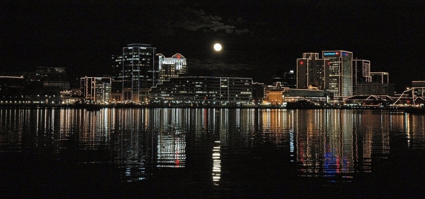 Night Portsmouth Full Moon Skyline Cityscape
