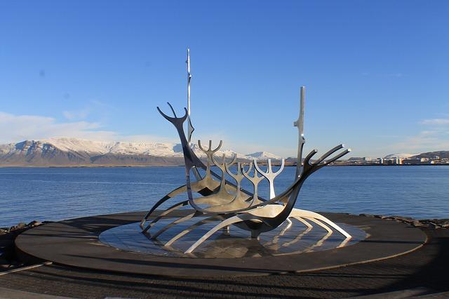 reykjavik-635330_640